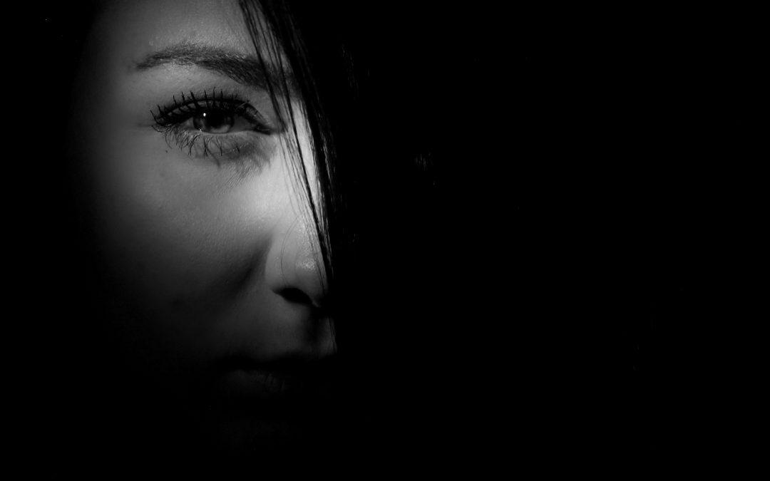 ¿Es posible recuperar un ojo vago con terapia o medicación?