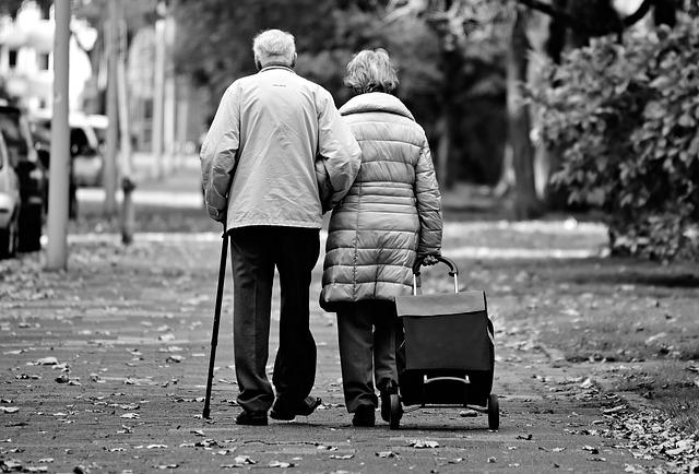 ¿Cómo envejecen los ojos y nuestra visión?